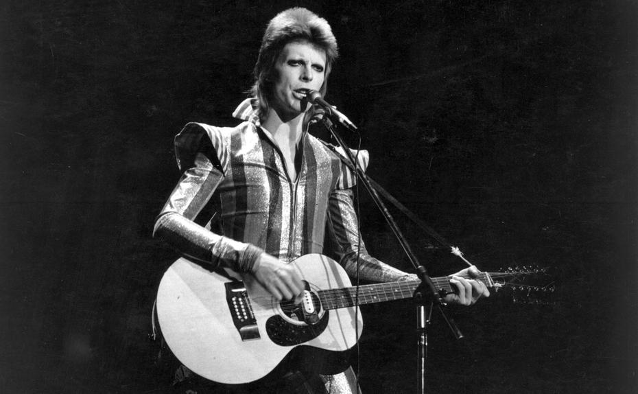 ★ David Bowie: Starman, Waiting in the Sky★